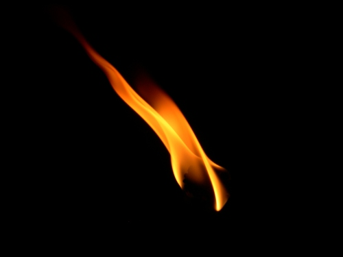flame_from_a_burning_candle