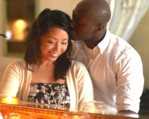 asian-woman-black-man-mirror-couple-kiss-story-top