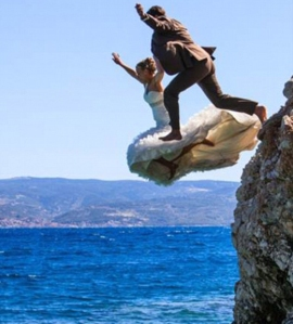 Croatian couple who jumped into the ocean in their wedding clothes