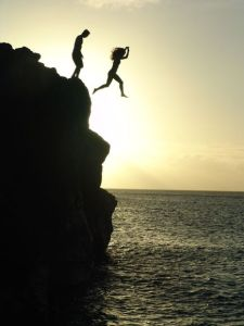 hawaii-cliff-jump_35103_600x450