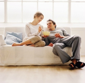 0418-happy-couple-on-couch_sm